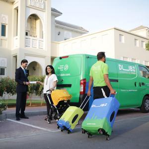 [두바이] 공항 수화물 픽업 및 배송 서비스 (공항에서 숙소 혹은 숙소에서 공항까지) - 숙소에서 편안하게 수화물 및 항공권 체크인